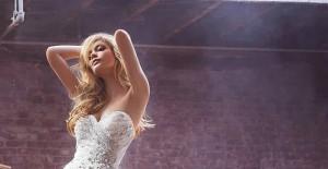 美得冒泡的Hayley Paige婚纱 天真与成熟之间的平衡_12张