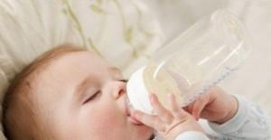 不要给宝宝频繁换奶粉