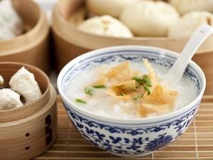 银耳莲子汤的功效 银耳莲子汤的好处