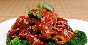 黄豆炖猪蹄汤的做法 可口秘诀