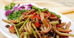 干锅茶树菇的做法 五花肉干锅茶树菇