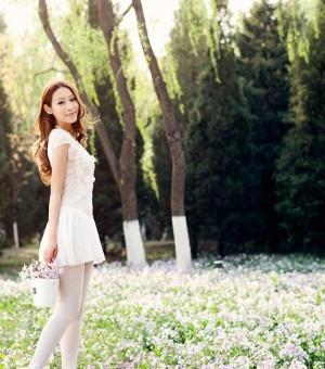 迷人仙子花丛唯美写真
