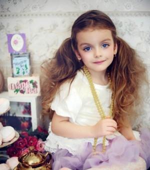 俄罗斯小模特米兰·库尔尼科娃 天然名媛气质小