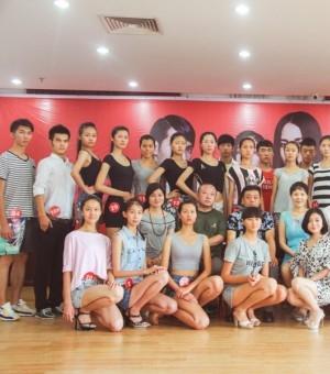 2014上海国际模特大赛陕西赛区预选赛选手拼素颜