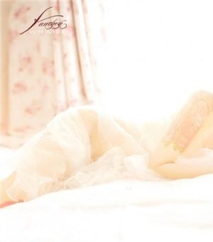 白纱朦胧全裸美女写真图片 性感刺青纹身秀人体