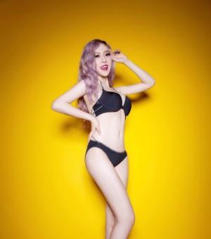 长腿美女内衣写真性感图片 热辣性感火爆身材让