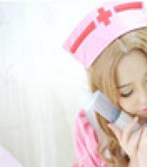 萝莉粉色护士装 萌妹高还原度COS娜娜莉图片