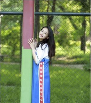 清纯美貌的灰姑娘王艺诺
