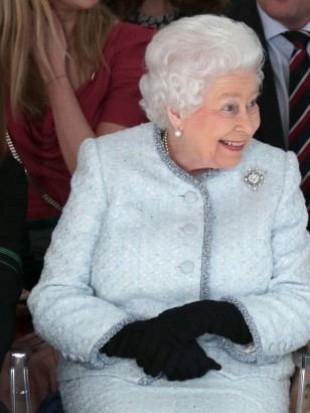 优雅的英女王,一定是吃可爱长大的